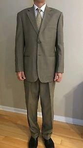 Massimo genni mens 2 button suit size 40R tan sharkskin
