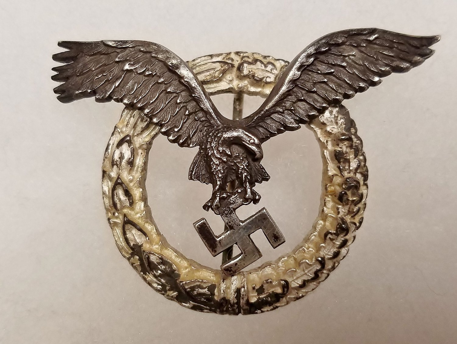 WWII WW2 GERMAN NAZI LUFTWAFFE PILOT'S BADGE - ROUND WREATH VERSION *RARE*