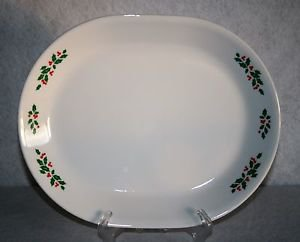 "# Corelle by Corning Christmas ""Winter Holly"" Oval Serving Platter EUC"