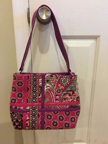 RETIRED Vera Bradley Quilted Purse Very Berry Paisley Excellent Condition