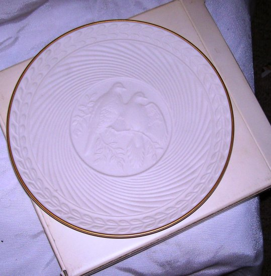 14K Avon Classic Wedding Plate Collectible
