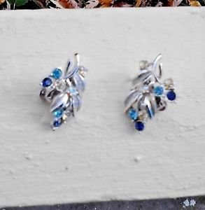 CORO Earrings Color RHINESTONE Grape Cluster Leaf Vine Silver Tn Clip-on Vintage