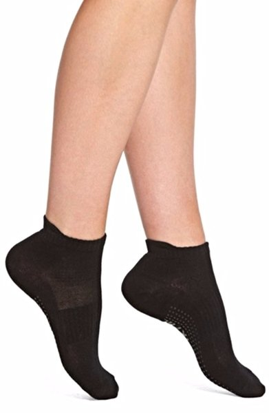 Premium Yoga Ankle Socks by Urban Knit Size 9-11 Non Slip Soles Black Gray
