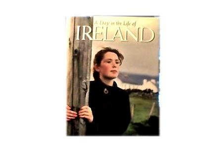 A DAY IN THE LIFE OF IRELAND~HUGE PICTURE BOOK~PRETTY