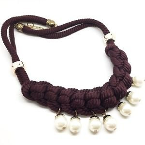 WOMEN'S NECKLACE WITH INTERTWINED BROWN CORDON AND PEARLS