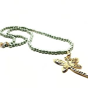 NECKLACE GREEN PEARLS WITH DRAGONFLY PENDANT