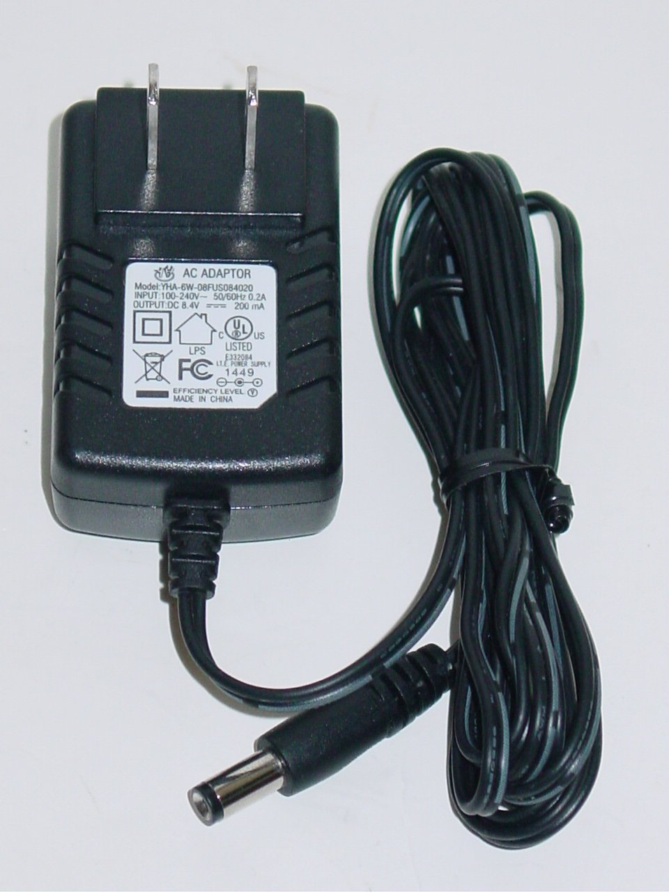 YH YHA-6W-08FUS084020 AC Adapter 8.4V 200mA
