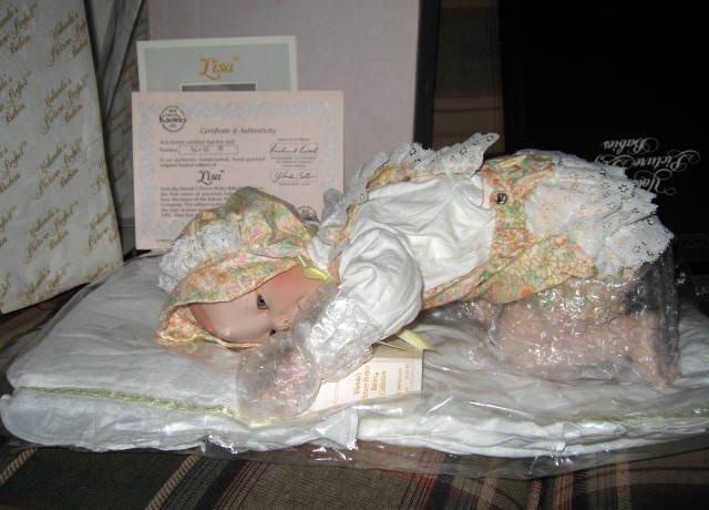 Ashton Drake Lisa Porcelain Doll HAND SIGNED BY ARTIST