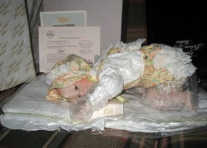 Ashton Drake Lisa Porcelain Doll HAND SIGNED BY ARTIST