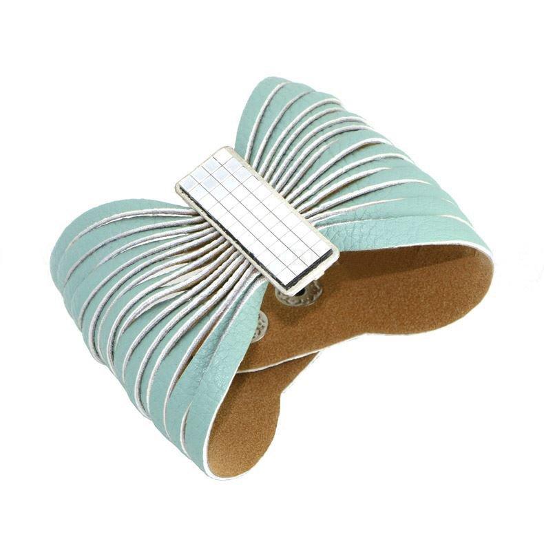 Charming Snap Button Alloy Leather Bracelets Bow Design