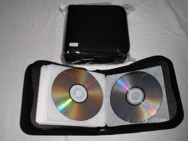 5 CD WALLETS THAT HOLD 24 CDS EACH - JS70