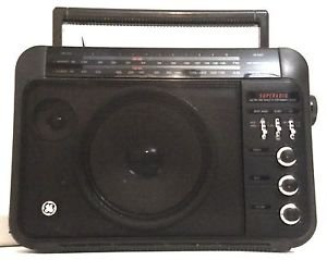 GE 7-2887A Portable AM/FM SuperRadio, AC/DC, 2-way Speaker