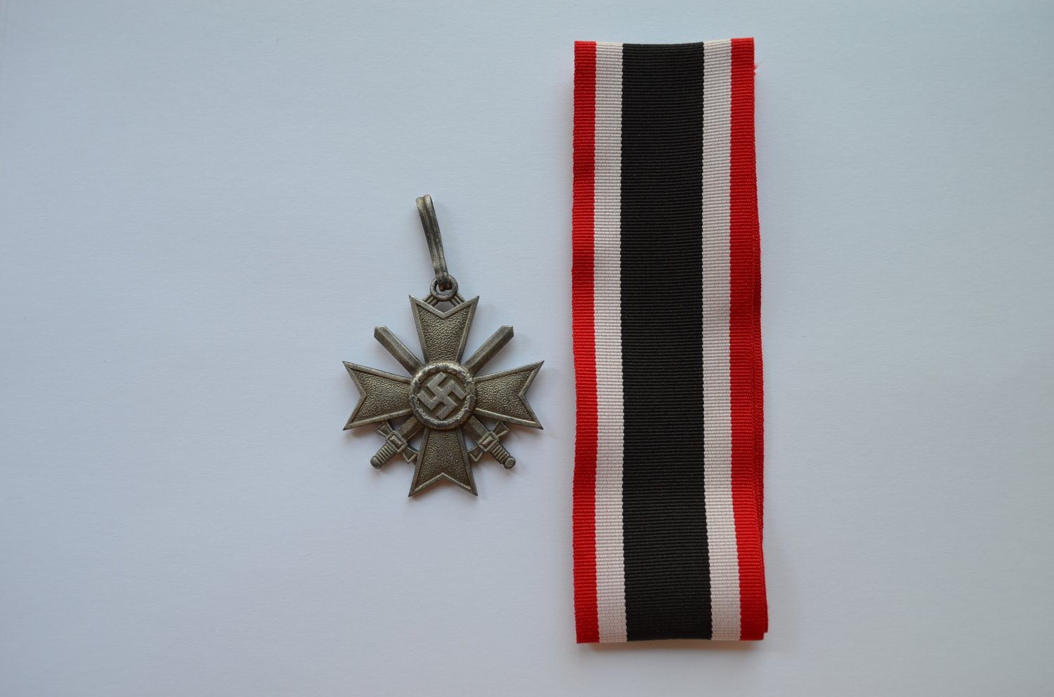 WWII GERMAN KNIGHTS CROSS OF THE WAR MERIT CROSS WITH SWORDS