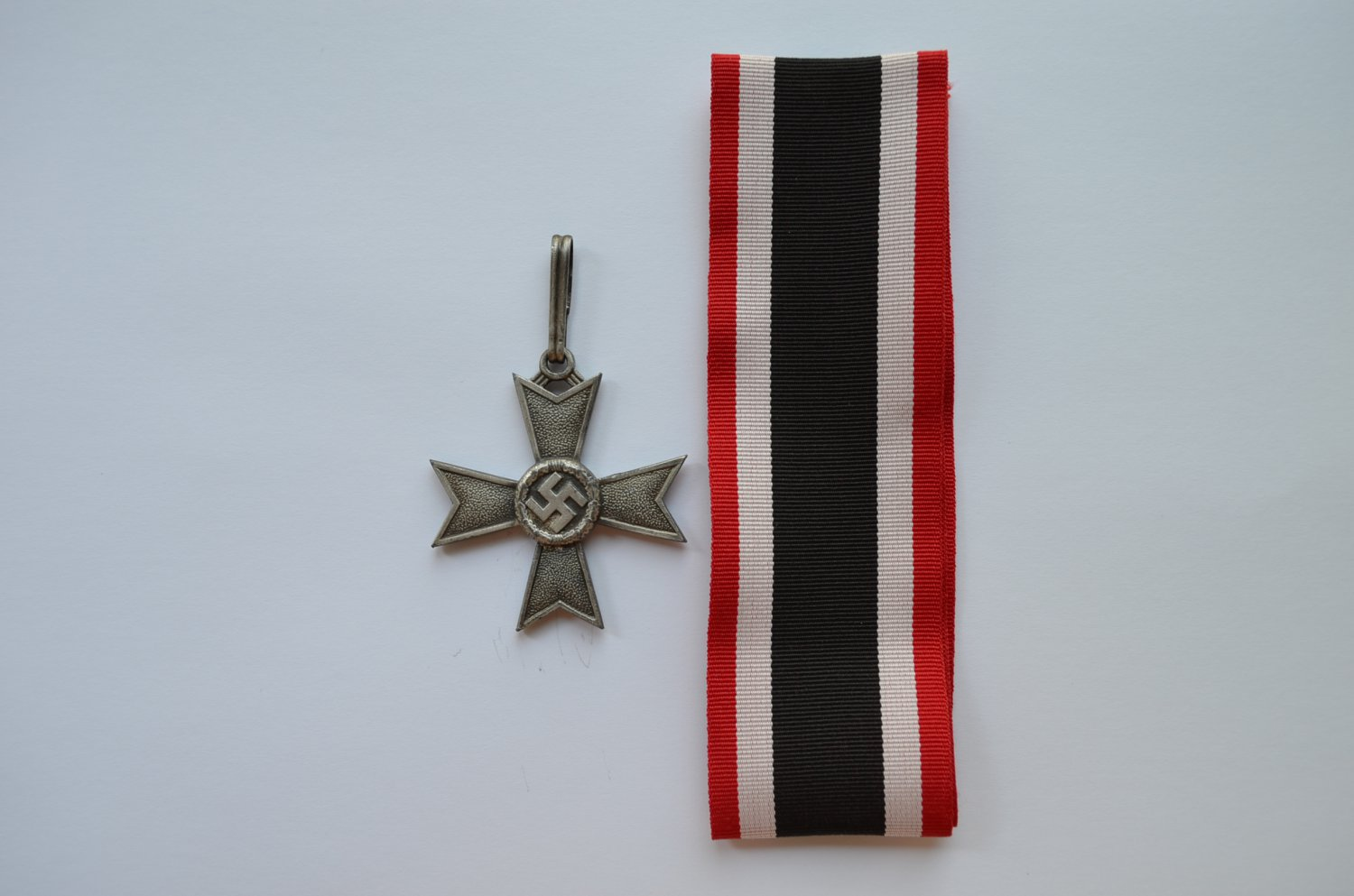 WWII GERMAN KNIGHTS CROSS OF THE WAR MERIT CROSS WITHOUT SWORDS