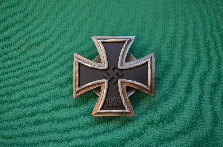 WWII GERMAN IRON CROSS 1ST CLASS SCREW-BACK