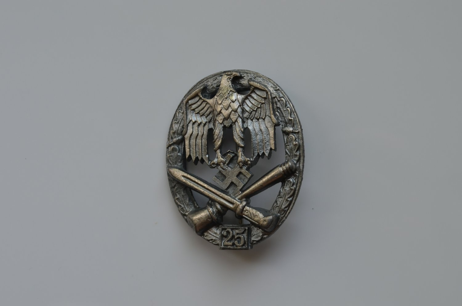 WWII THE GERMAN BADGE GENERAL ASSAULT 25