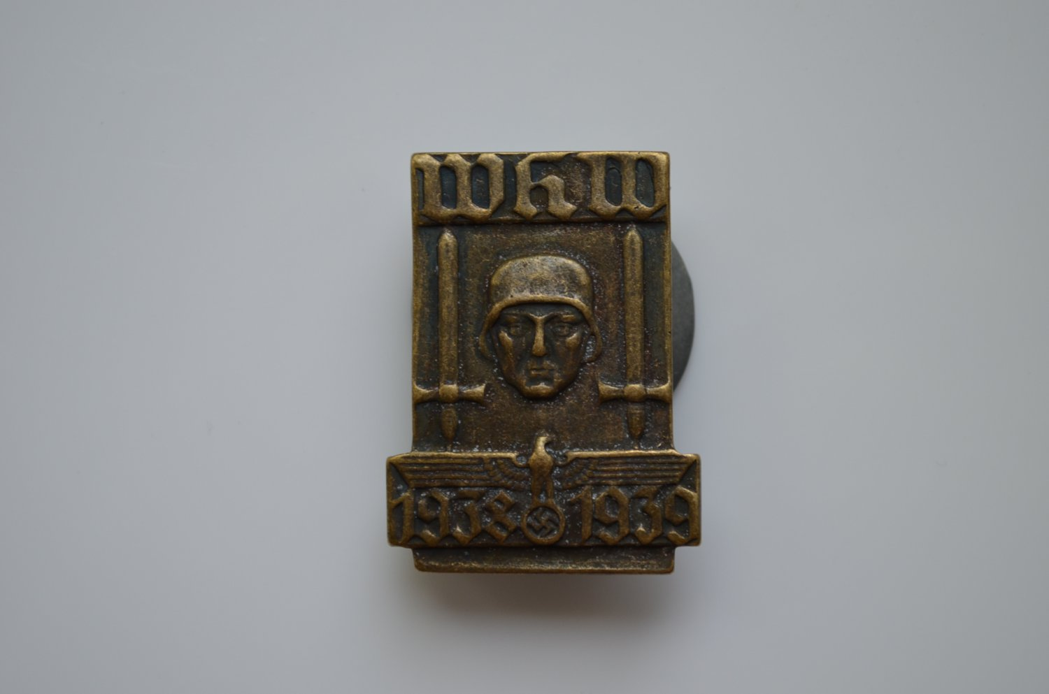 WWII THE GERMAN BADGE WHW 1938 1939
