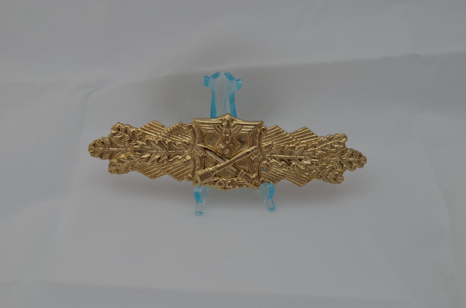 WWII THE GERMAN GOLD BADGE CLOSE COMBAT CLASP