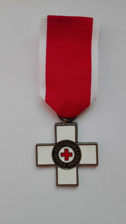 WWII THE GERMAN RED CROSS MEDAL DRK