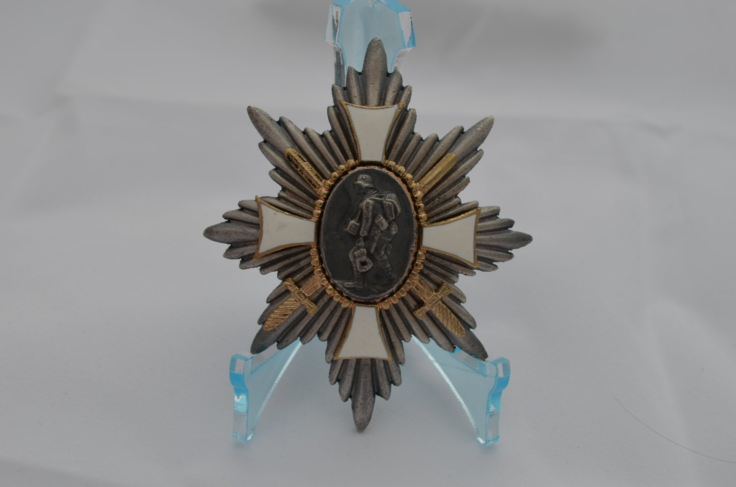 WWI GERMAN HAMBURG FIELD HONOR BADGE
