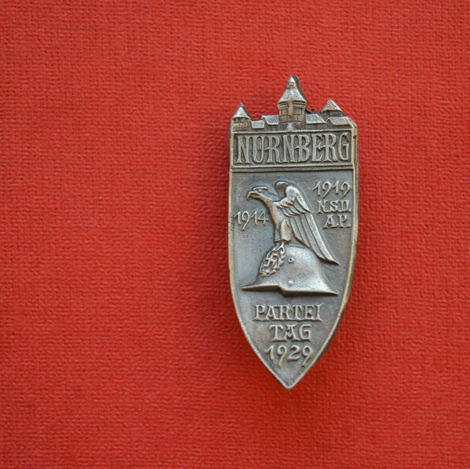 WWII THE GERMAN NUREMBERG PARTY DAY BADGE OF 1929