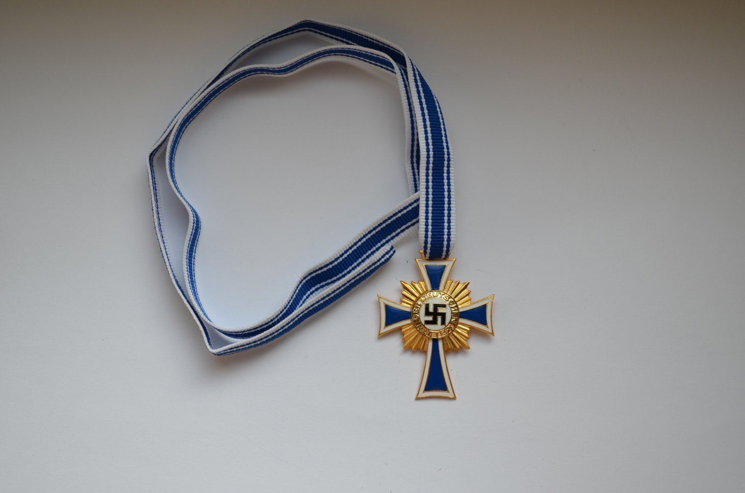 WWII GERMAN GOLD MOTHERS CROSS HONOUR