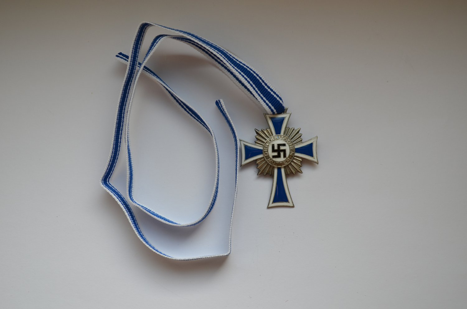 WWII GERMAN SILVER MOTHERS CROSS HONOUR