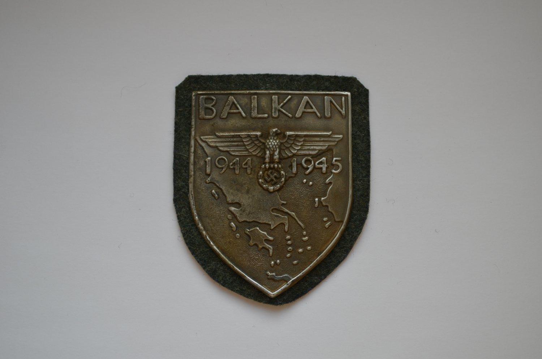 WWII GERMAN BADGE BALKAN SHIELD