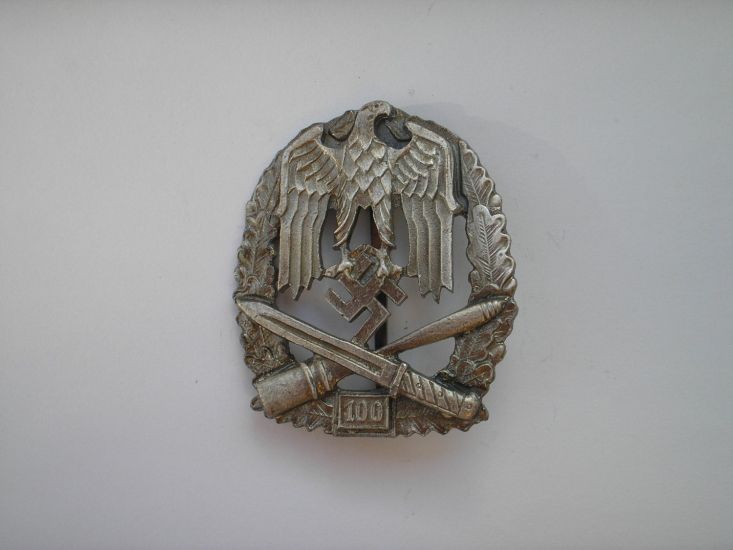 WWII THE GERMAN BADGE GENERAL ASSAULT 100
