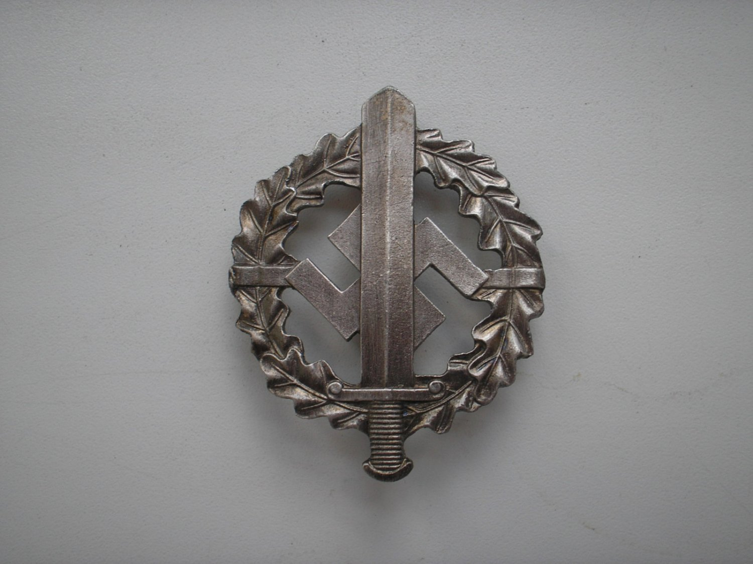 WWII THE GERMAN BADGE SA