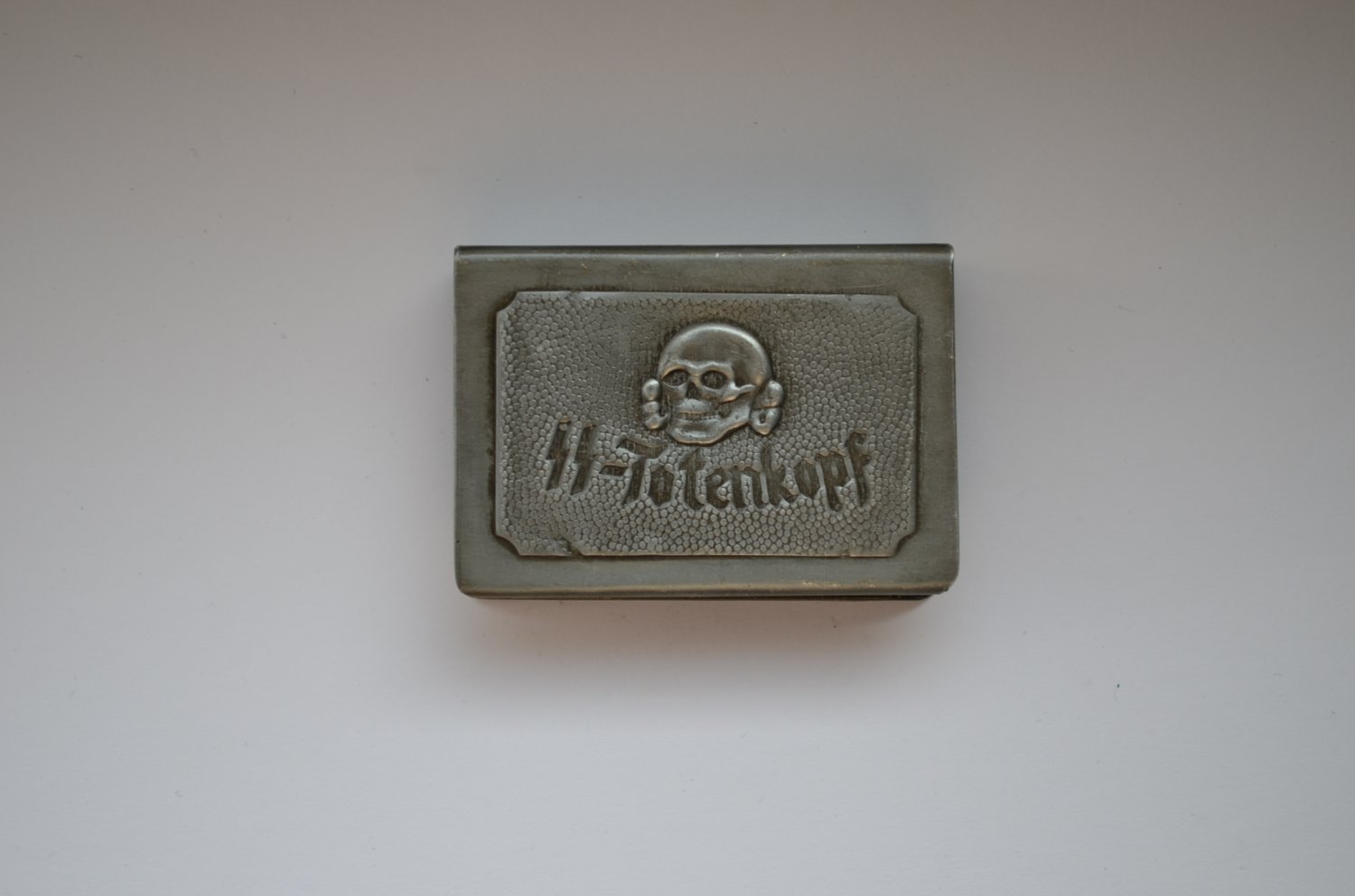 WWII THE GERMAN HOLDER/COVER ON MATCHBOX SS-TOTENKOPF