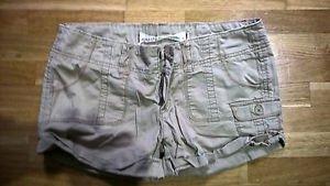 Women's Hollister Short shorts tan Juniors size 3
