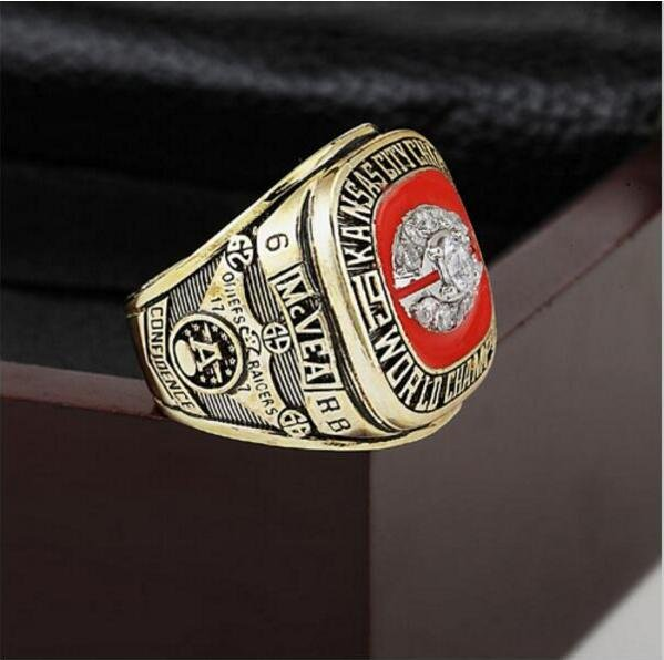 1969 Kansas City Chiefs NFL Super Bowl Championship Ring 12 size with cherry wooden case as a