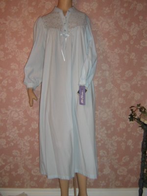 SOLD Vintage Miss Elaine Nightgown NWT Brushed nylon S