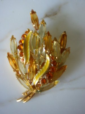Vintage Art glass Rhinestone brooch pin Clip Earring Set Gorgeous