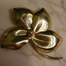 Pretty Four Leaf Detailed gold tone vintage Pin Brooch