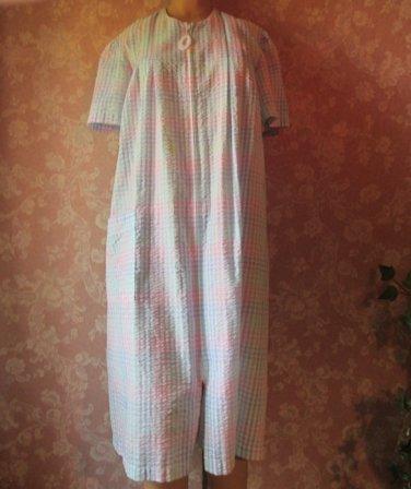 Miss Elaine Vintage Robe Cotton Blend Seersucker S M Pastel Plaid Zip Front Lounger Duster