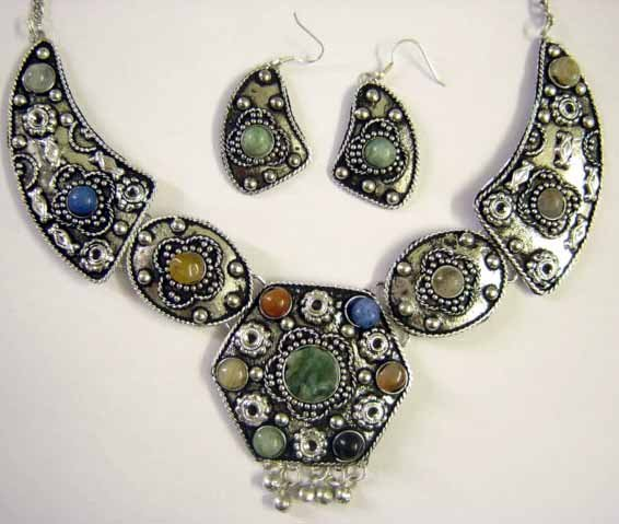 Tribal Earrings & Necklace Set-- CS0727
