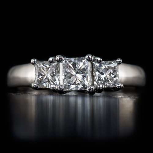 0.80 CARAT PRINCESS CUT 3 STONE DIAMOND ENGAGEMENT RING 14K WHITE GOLD COCKTAIL
