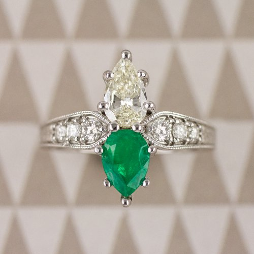 1.2 ART NOUVEAU PEAR SHAPE DIAMOND EMERALD DOUBLE VINTAGE COCKTAIL RING ENGRAVED