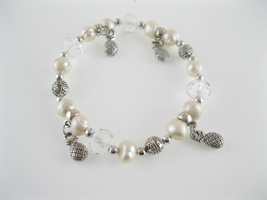 freshwater natural potato pearl and crystal bracelet with pineapple charm,00530SC