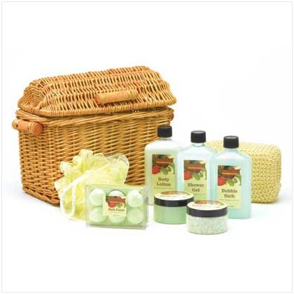 Apple Garden Bath Set In Willow Basket