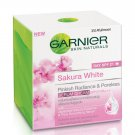 50 ml. Garnier Sakura White Pinkish Radiance Moisturizing Cream SPF21 PA++ Day Cream