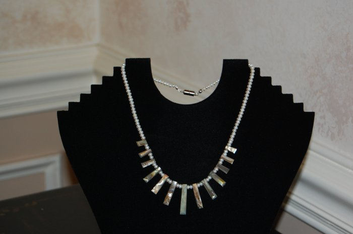 Pearl & speckled ebony-finished bone beads necklace