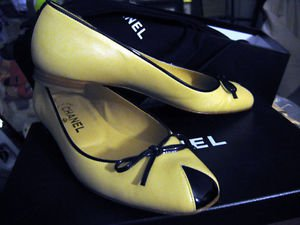 CHANEL MADE IN ITALY FLATS:beige leather black patent leather flats size 7 or 37