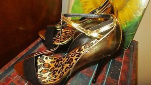 SCENE BLACK SUEDE AND PATENT LEATHER/GOLD SANDAL 5.50 HEEL SIZE 10M