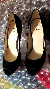 BAKER STILETTOS BLACK SUEDE WITH CHECKERBOARD HEELS OPEN-TOED PUMPS SIZE 9M