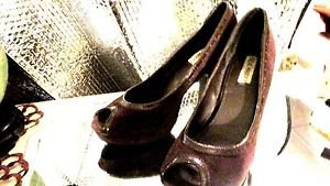 STEVE MADDEN BROWN SUEDE PUMPS OPEN-TOED SIZE 8.50M