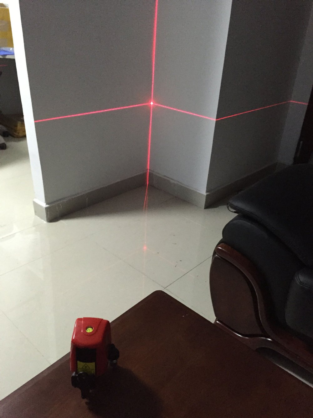 AK435 2 Lines 1 Point Cross Laser Level 360 Degree Self Leveling Indoor Outdoor
