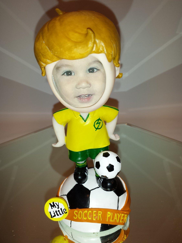 "Soccer Player Bobble Head statue / kid""s photo holder"
